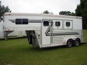 horse gooseneck trailer