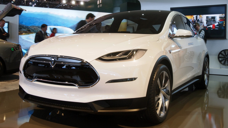 Tesla Model X Reservations Reveal Back-Seat, 250-Mile Range
