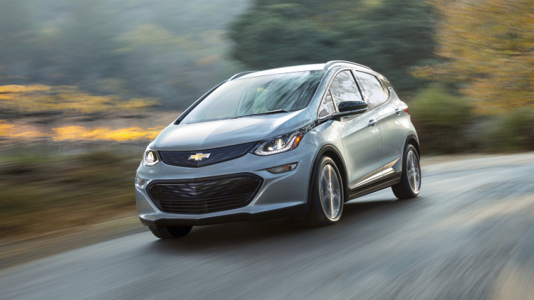 2017 Chevy Bolt EV Arrives in Late 2016 With 200-Mile Range