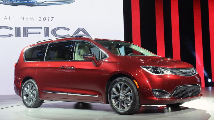 2017 Chrysler Pacifica Scores Near Top On Minivan mpg
