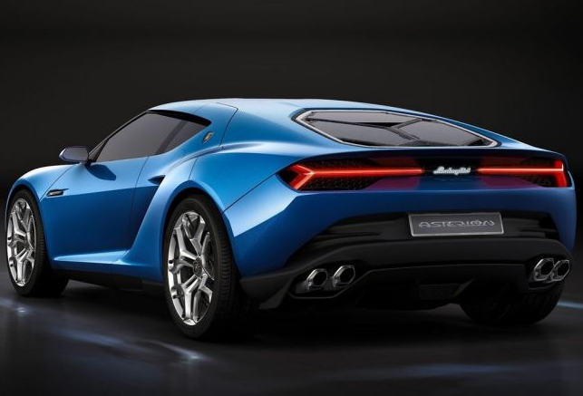 Lamborghini Could Make A Hardcore RWD Huracan Superleggera