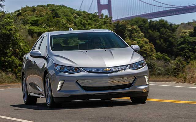 2019 Chevrolet Volt Charges Quicker, Improves Convenience