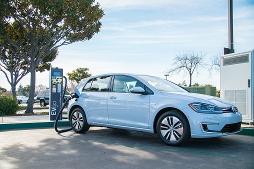 Volkswagen To Start Series Production Of Flexible Fast Charging Station