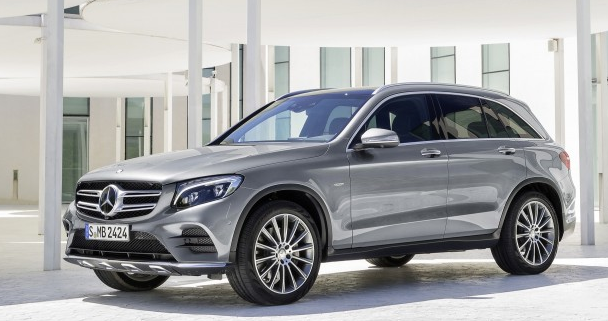 2020 Mercedes-AMG GLC 43: Middle Child Gets More Power
